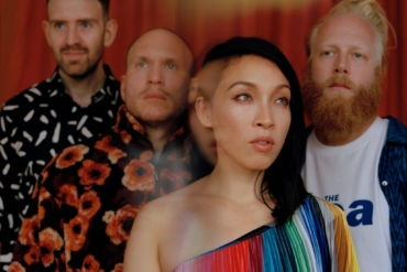 LITTLE DRAGON - Lover Chanting (Official Video)